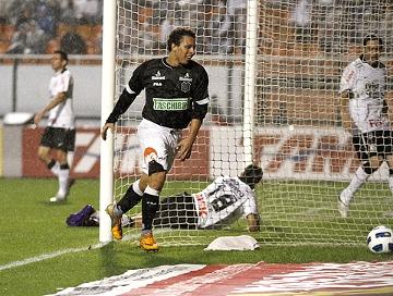 Corinthians cai em casa, e luta pelo 1º turno continua aberta