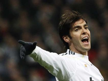 Kaká não brilhou mais uma vez e reclamou da substituição
