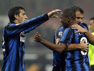 Com 2 de Eto'o, Leonardo vence contra o Bologna a quarta seguida pela Inter; veja