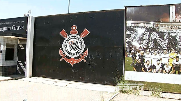 628ac76568 Polícia prende primeiros suspeitos por invasão a CT do Corinthians ...